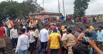 नदखुरकी कोल डंप में कोयला उठाव को लेकर सिंडिकेट समर्थकों और विरोधीयों के बीच तनातनी